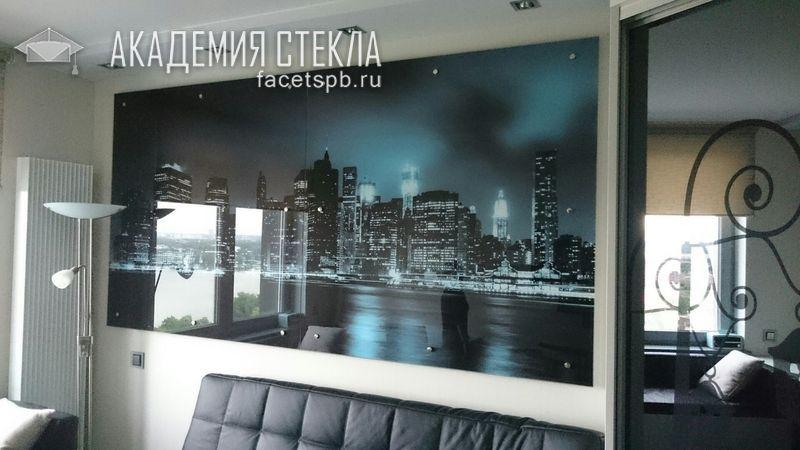 Декоративная стеновая панель из стекла