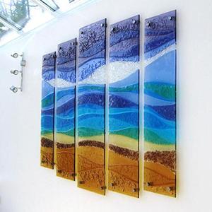 Стеклянные панели для стен в интерьере